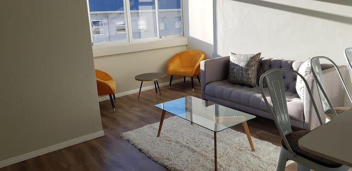 Modern ,  trendy Apartment with views on Lionshead