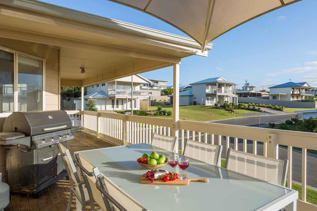 The deck/balcony overlooking quiet street