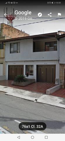 Habitación con baño a 3 cuadras Parque Belen