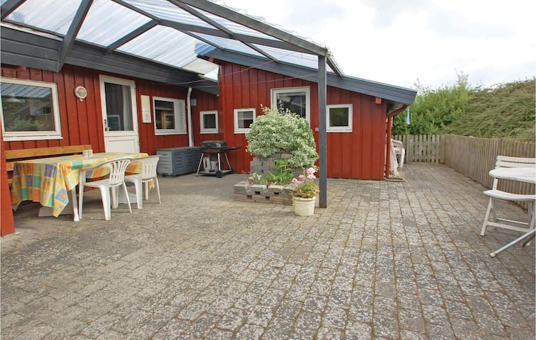 Holiday cottage with 3 bedrooms on 94m² in Hejls