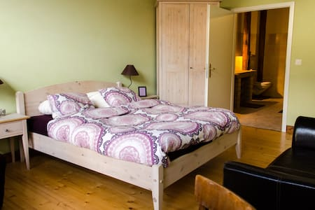 H2otes - Cuarnens - Bed & Breakfast