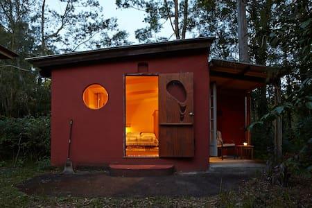 Cabin in a Bush Setting, Maleny - Reesville - Blockhütte