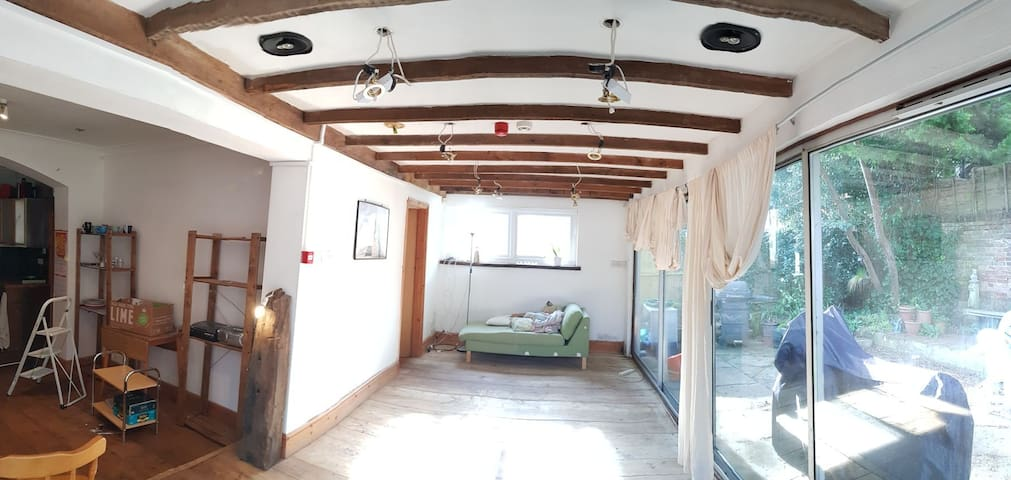 Westbourne, Bournemouth, 2 bed 2 bath large gf
