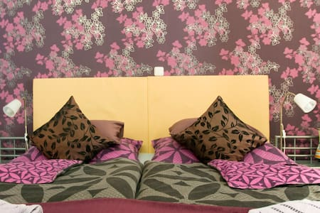 Budapest GuestRooms B&B*** - Budapest - Bed & Breakfast