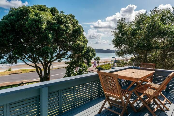 Onetangi Beachfront - Upstairs Apartment