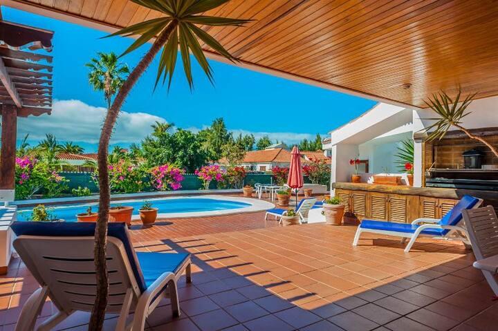 Stunning Maspalomas Villa - large & exclusive