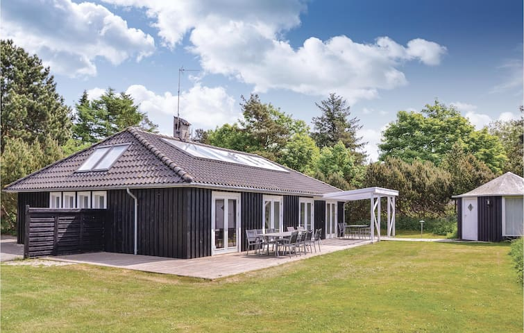 Holiday cottage with 3 bedrooms on 165m² in Gilleleje