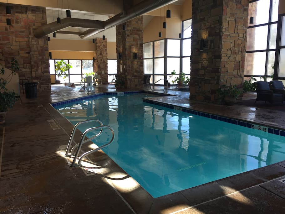 Beautiful indoor pool, 2 hot tubs