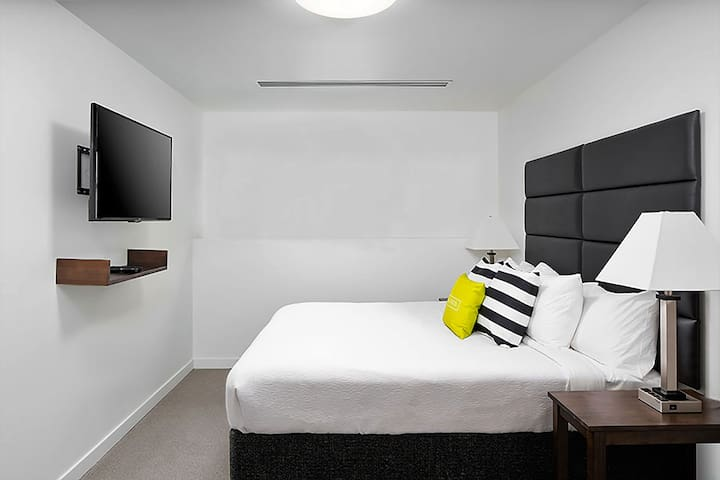 Blissful Two Bed at 509 Vine