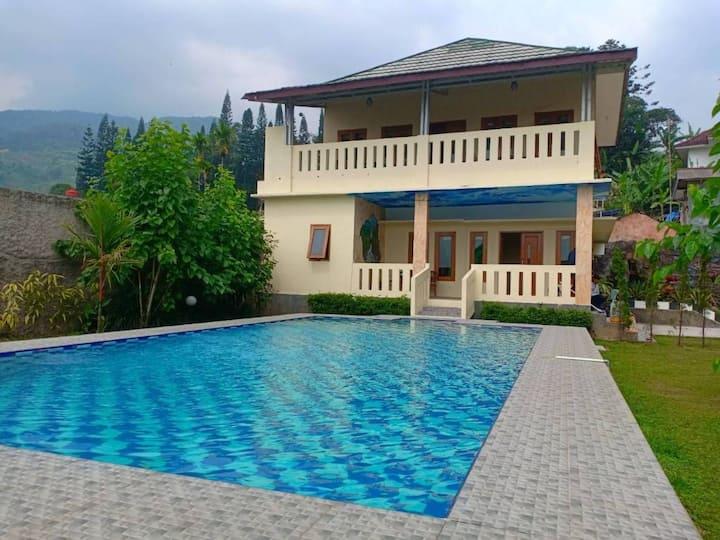 Villa Mutiara Citra Cisarua