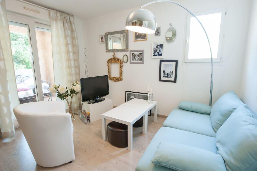 bel appartement ensoleill au calme appartements louer la valette du var provence alpes. Black Bedroom Furniture Sets. Home Design Ideas