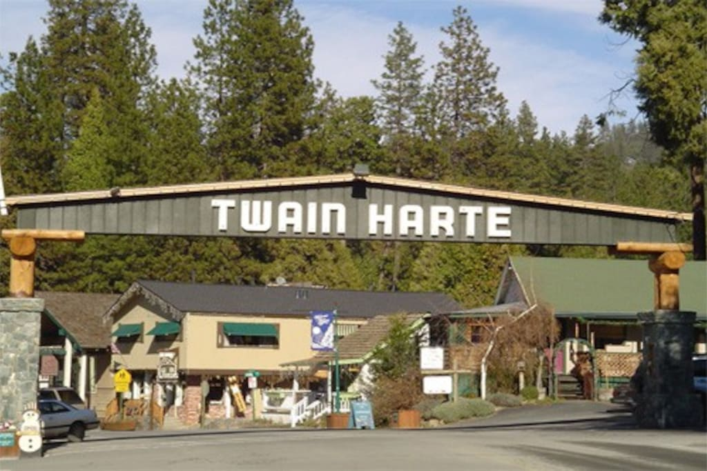Iconic Twain Harte Arch sign when entering the town.