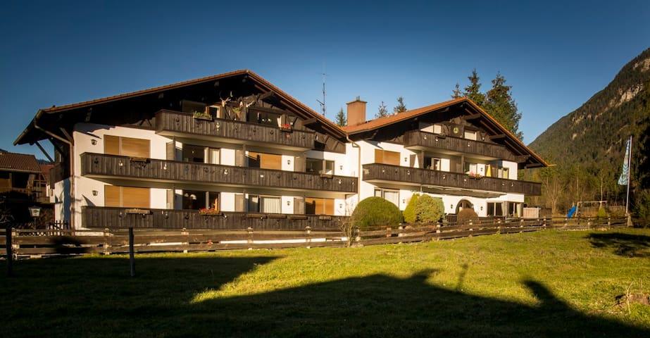 Wohlfühlappartement - Farchant - Huis