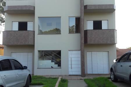 Casa na  represa de Avaré condomínio fechado - Avaré