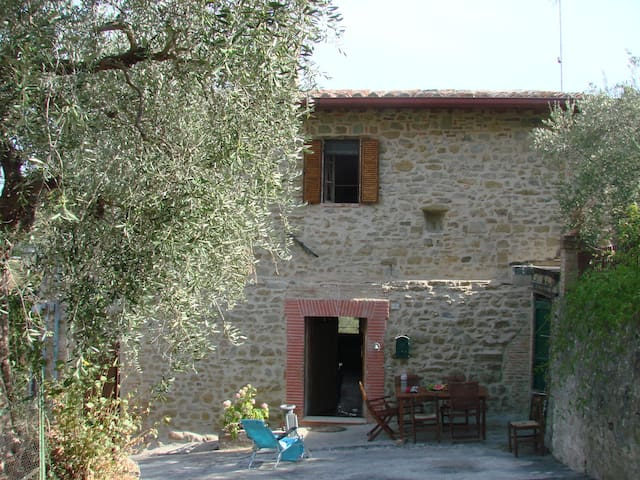 Italy Umbria - exceptional - Castiglion Fosco - House