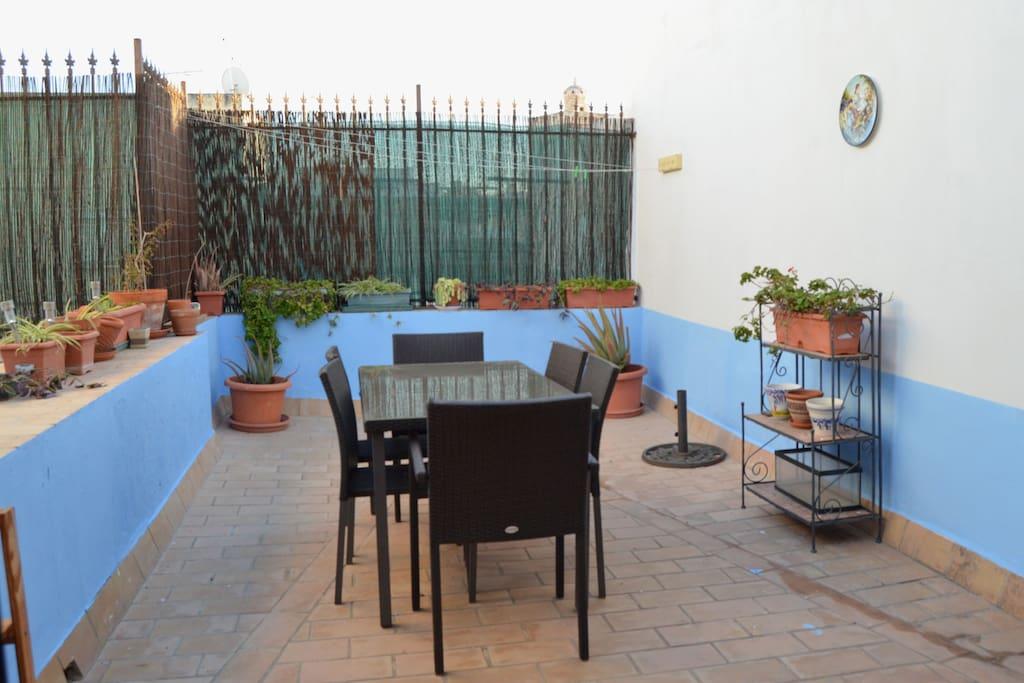 Tico 2 terrazas en el centro de c diz vft ca 1260 for Sofa exterior aki