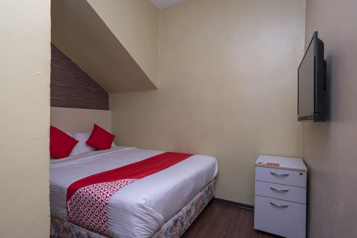 Spacious Family Suite@ D'pinetrees Hotel