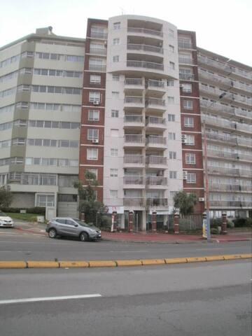Monoambiente   Barrio  Malvín,   Montevideo (URU)