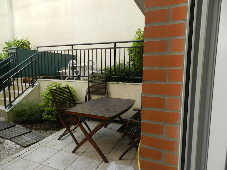 studio avec terrasse et jardin apartments for rent in