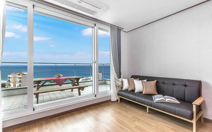 포근한 바다의 풍경이 보이는 301(투룸, 오션뷰) 객실