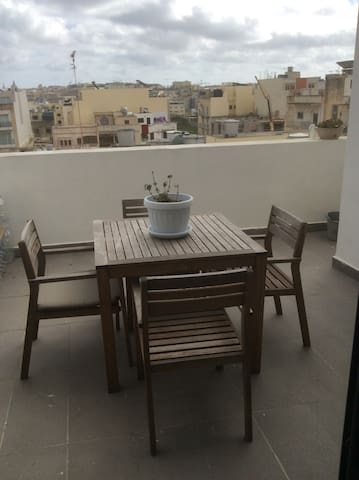 Penthouse with Terrace and Central location - Il-Gżira