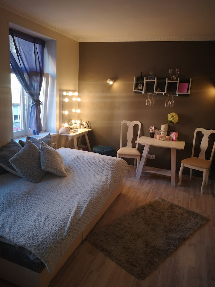 Romnatic style studio apartment center of Tallinn
