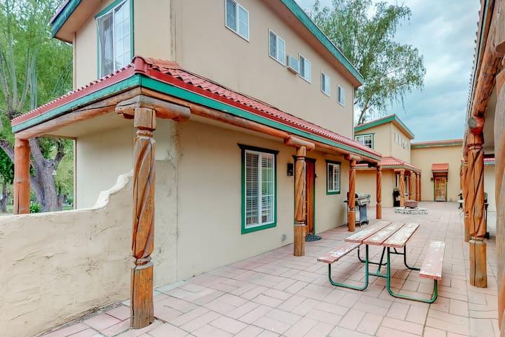 Southwest-themed villa on Banks Lake w/ shared firepit/dock - 2 dogs OK!