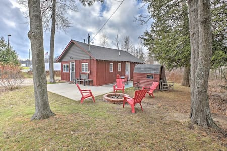 2BR Houghton Lake Cabin - Steps from Lake! - Houghton Lake - Kabin