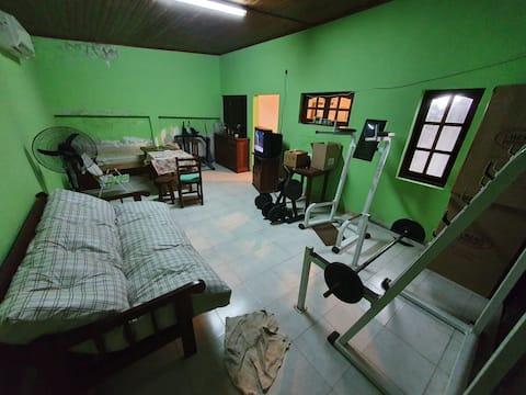 Casa muy amplia  confortable grandes ambientes