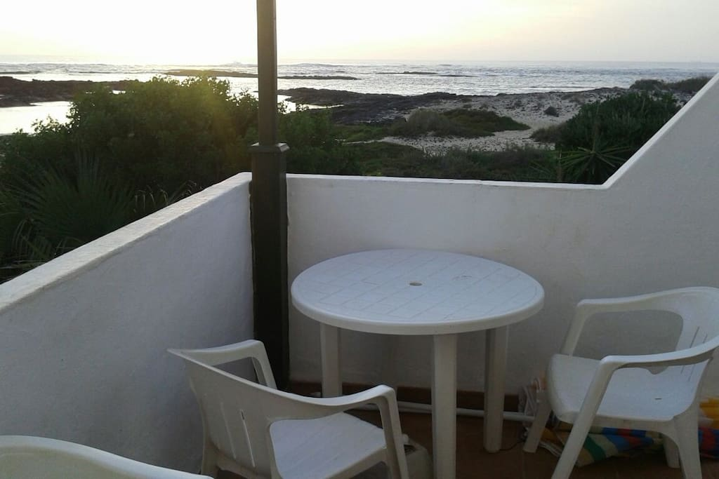 The balcony of Casa del Sol ... views of the entire west coast of Fuerteventura