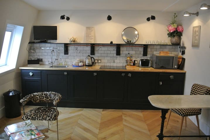 Stunning one bedroom flat in heart of Fitzrovia - London - Apartment