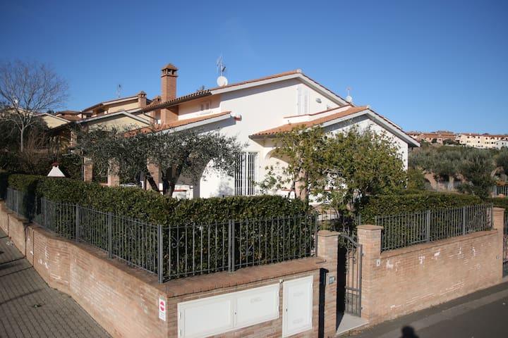 Villa a San Vincenzo 5 minuti a piedi dal mare - San Vincenzo - Villa