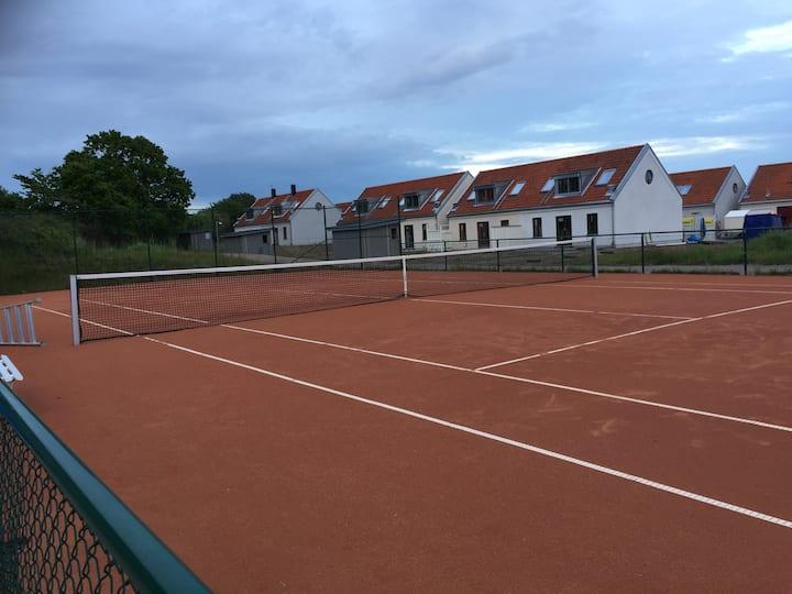 Torekov boende: Nybyggd hus med pool, tennis, golf