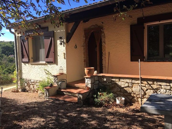 La maison sous le marronnier