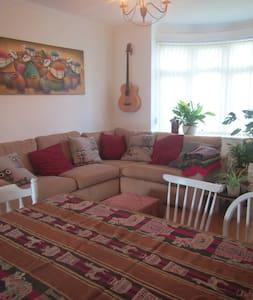 Cosy quiet home near the beach.