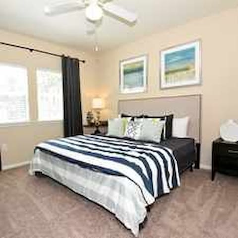 Chic townhouse near Airport - Houston - Adosado