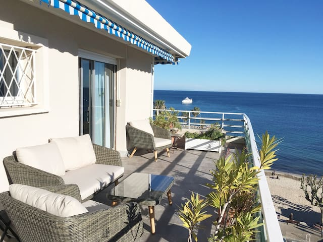 Beach penthouse, amazing seaview