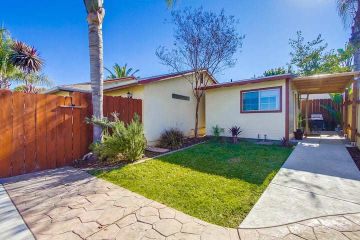 Tranquil Studio just minutes from downtown La Mesa