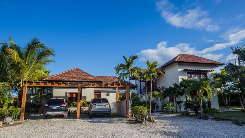 Ocean breeze Huge Villa in Cap Cana