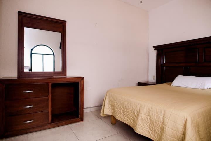 Habitación Sencilla - Hotel Casa Má Elena