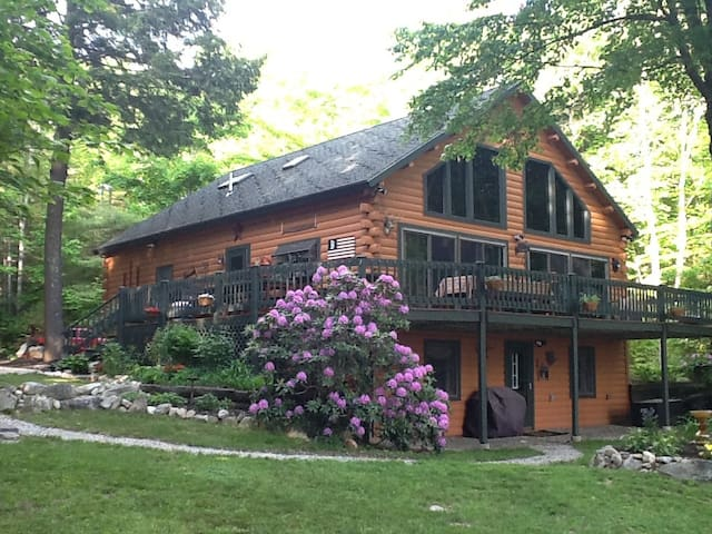 Log Cabin on a Lake-Delightful! - 액톤(Acton) - 단독주택