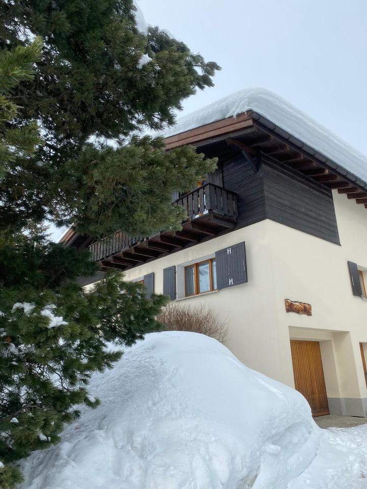 Ganzes Haus an ruhiger Lage in Pontresina