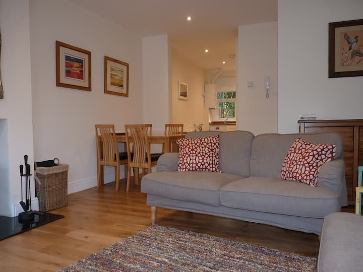 Lovely bright apartment in heart of Brockenhurst