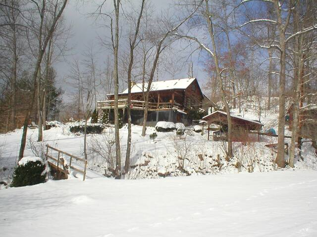 Cozy Cabin in Appalachian Mountains - Green Mountain - Stuga