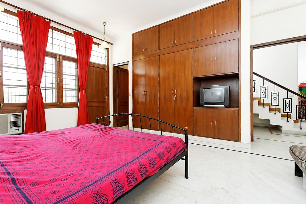 Private room in Gurgaon with breakf