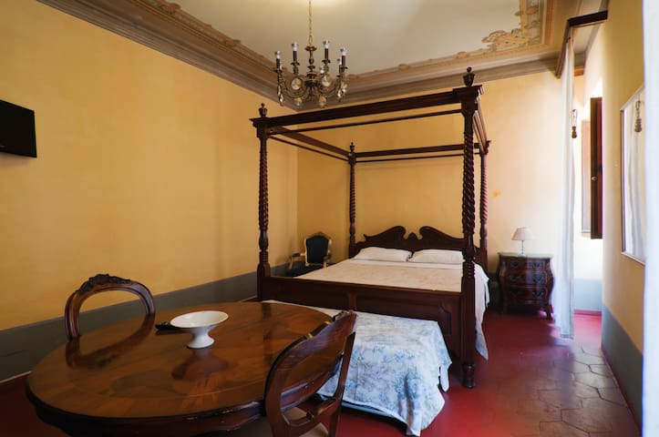 Camera  Storica in Centro - Sansepolcro - Bed & Breakfast