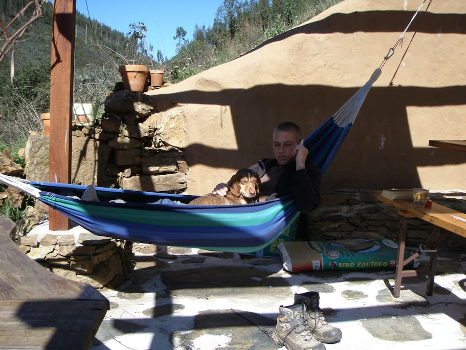 Uploading your battery in one of the hammocks at Quinta da Fonte