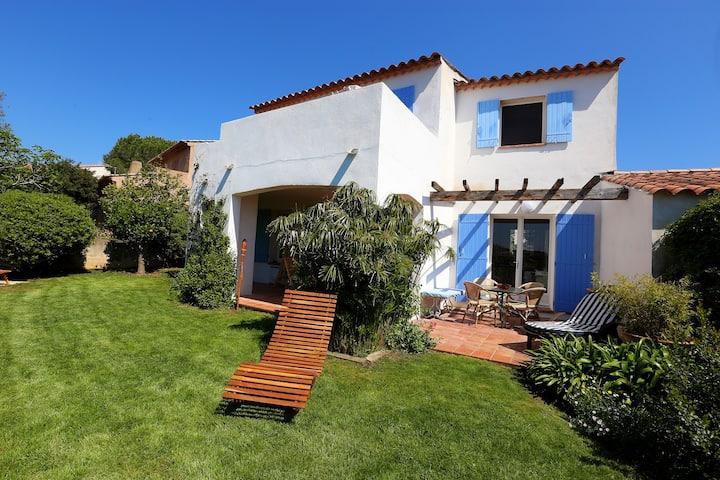 Villa agréable vue mer, proche St Tropez