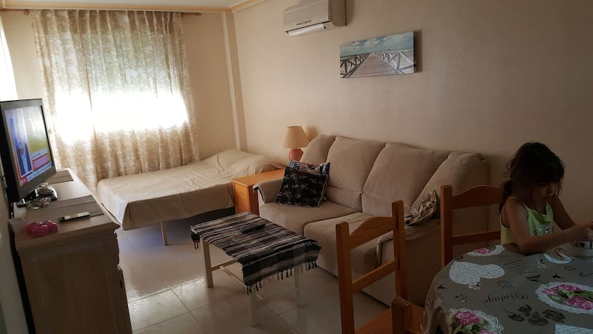 Nice tidy apartment close to the beach and downtow - Torrevieja - Leilighet