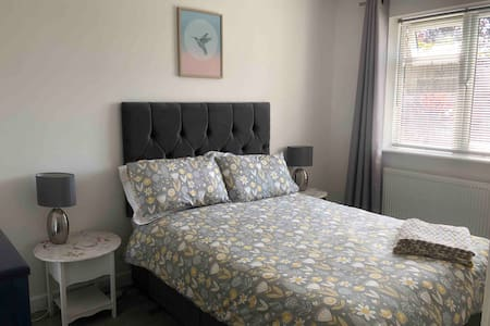 1 Bed New Modern Bungalow Extension , FREE parking